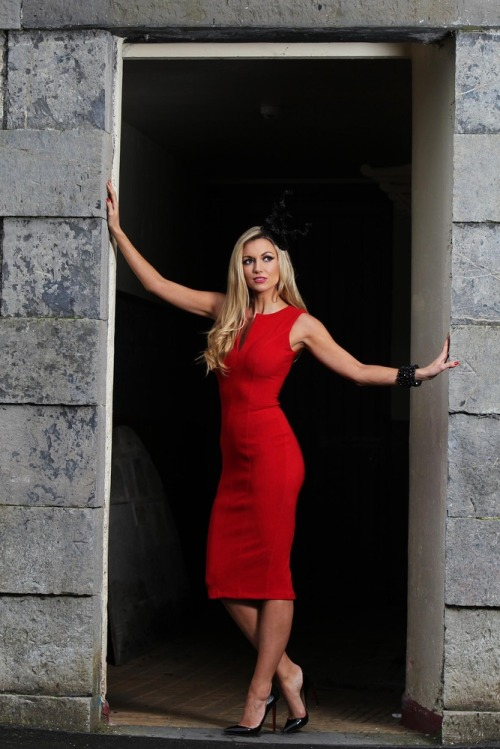 Most_stylish_lady_grand_national_rosanna_davison_max11