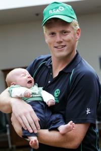 Irish_cricket_team_arrives_home_mx7