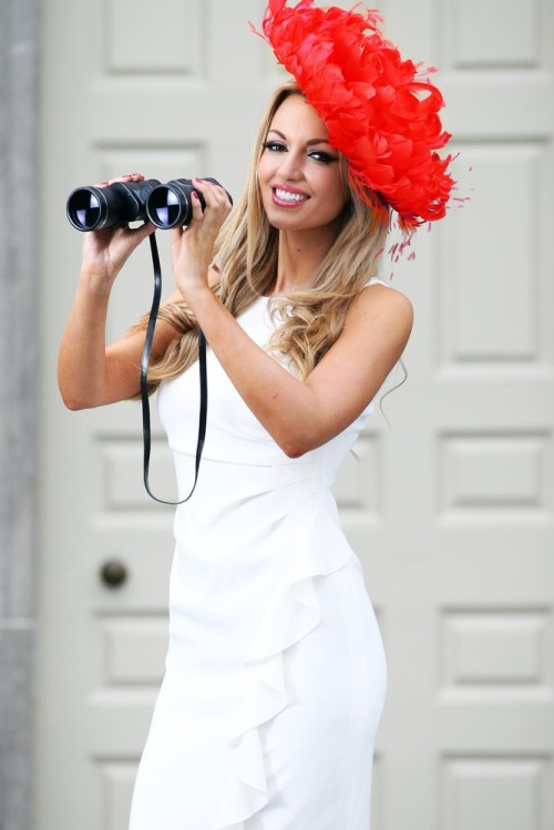 Carton_hse_lady_in_red_mx2