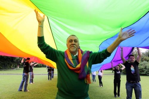 Rainbow_flag_creator_dub2