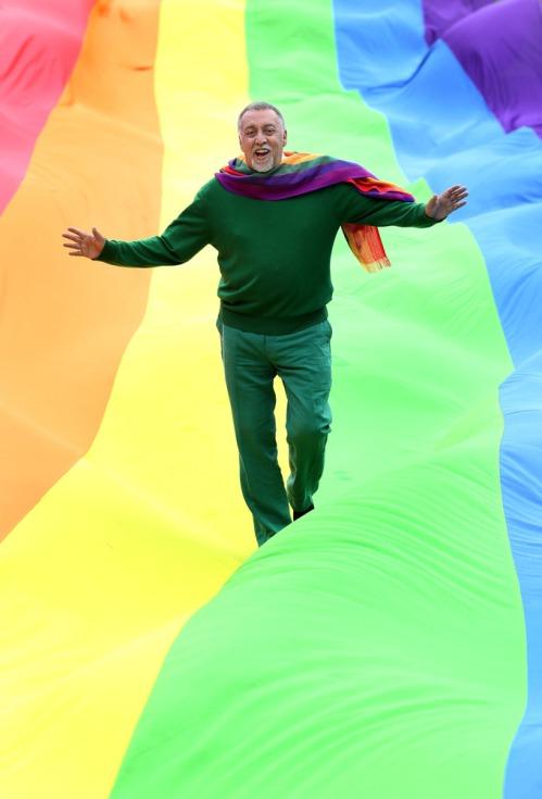 Rainbow_flag_creator_dub_visit1