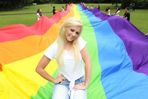 Rainbow_flag_dub_
