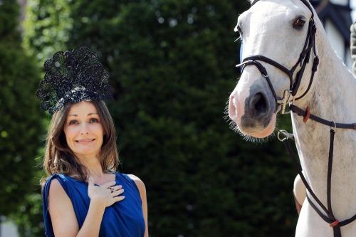 Ladies_day_judges_dublin_horse_show_mx04