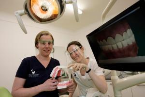 Charlie_weston_story_-_dentist_max2