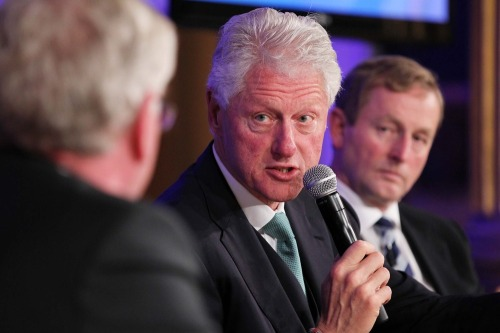 Clinton_global_irl_ecomonic_forum_mx10