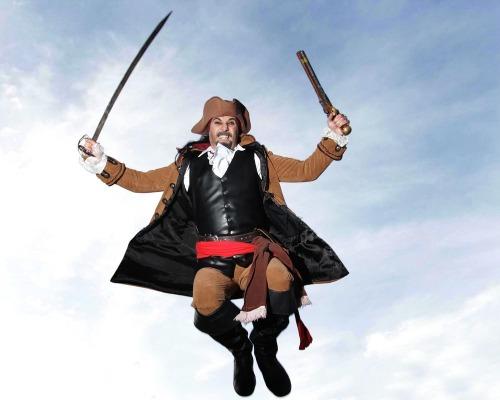 Pirateswalktheplankatthenchmx3