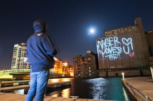 Laser_graffiti_dublin_wall_vodafone_max-3