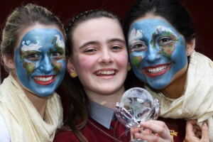 Our_world_irish_aid_award_winners_2012_mx-5