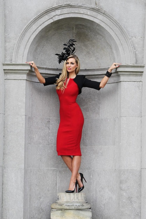 Most_stylish_lady_grand_national_rosanna_davison_max2