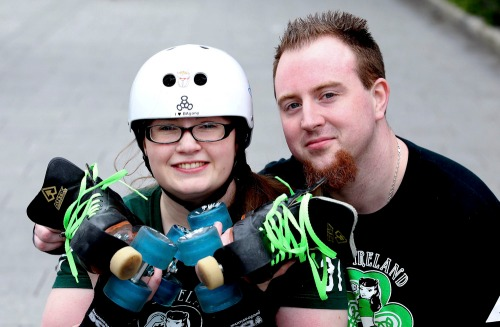 Roller_derby_couple_feature_mx-10