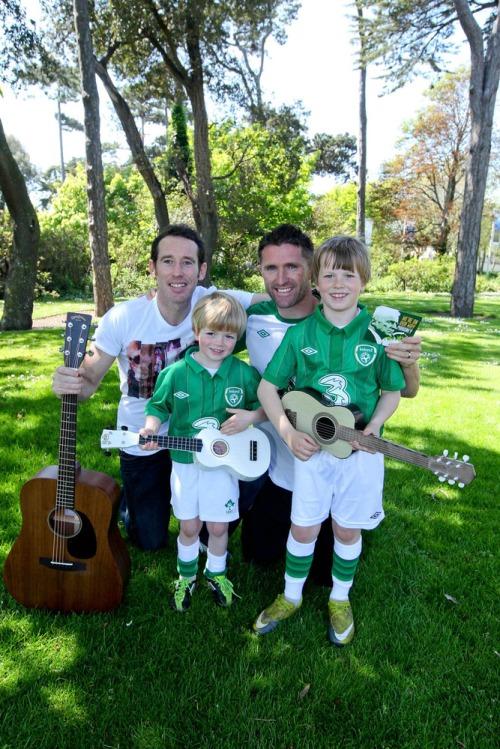 Keane_rob_irish_soccer_song_lc_mx-2