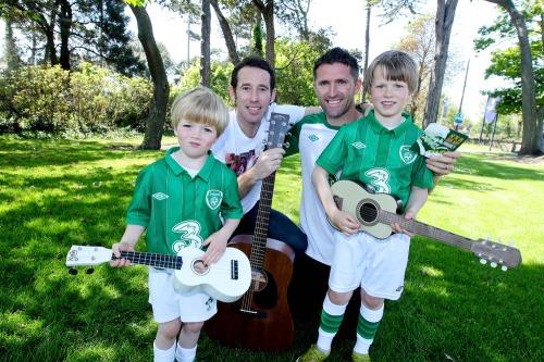 Keane_rob_irish_soccer_song_lc_mx-3
