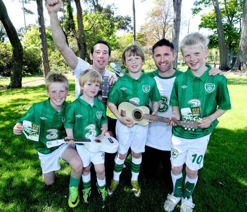 Keane_rob_irish_soccer_song_lc_mx