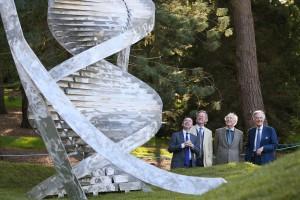 WATSON DNA SCULPTURE BOTANIC GARDENS MIN HAYES MX-3