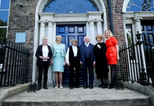 15/09/2015 NO REPRO FEE, MAXWELLS DUBLIN PIC SHOWS: (l to r) Arts Council Chair, Sheila Pratschke, Mrs. Sabina Higgins, Visual Artist Imogen Stuart, The President of Ireland, Michael D. Higgins, Writer Edna O'Brien and Arts Council Director, Orlaith McBride are pictured at the Arts Council offices today (tues). The President of Ireland, Michael D. Higgins, presided at a ceremony this afternoon, Tuesday 15th September 2015, to mark the election of visual artist Imogen Stuart and writers Edna O'Brien and William Trevor as Saoithe in Aosdána. The honour of Saoi is bestowed for singular and sustained distinction in the creative arts; this afternoon, the President presented both Imogen and Edna with the symbol of the office, a gold torc. A representative of William Trevor accepted the torc on his behalf. The ceremony took place at 2:30pm at the Arts Council's offices at 70 Merrion Square, Dublin 2. Aosdána was established in 1981 by the Arts Council to acknowledge creative artists who have made an outstanding contribution to the arts in Ireland.  Membership of Aosdána, which is by peer nomination and election, is open to artists engaged in architecture, choreography, music, literature and the visual arts and, currently, the body has 249 members. Members must have been born in Ireland or have been resident here for five years, and must have produced a body of original work. Members of Aosdána nominate and elect the Saoithe and no more than seven artists may hold this honour at any one time.  The present Saoithe are: Seoirse Bodley (music), Anthony Cronin (literature), Brian Friel (literature), Edna O'Brien (literature), Camille Souter (visual arts), Imogen Stuart (visual arts),William Trevor (literature). The ceremony was attended by many of the artists' colleagues and numerous members of Aosdána, including Mary FitzGerald, Theo Dorgan and Vivienne Dick. Also present were Arts Council Director, Orlaith McBride; Arts Council Chair, Sheila Pratschke; and Regist